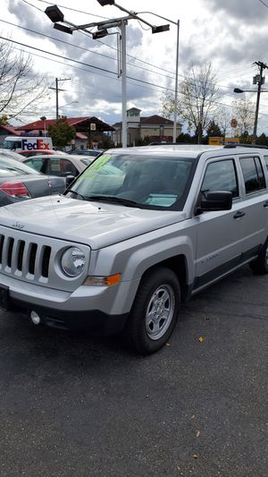 Jeep Patriot 2011, low mileage for Sale in Lakewood, WA