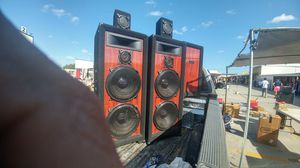 "2 PRO AUDIO 15"" AND 2 SMALL SPEAKERS SISTEM for Sale in Hialeah, FL"