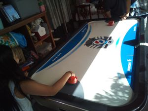 Air hockey table plugable for Sale in Pomona, CA