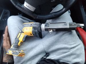 Dewalt XR brushless motor with one battery for Sale in San Jose, CA
