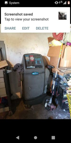 A/C machine and 30 pounds of freon in box for Sale in Montclair, CA
