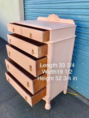Light pink 5 drawer dresser for Sale in Lynwood, CA