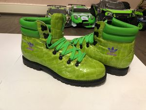 Adidas Beverly Hills Leather Hiking Boots Size 12 for Sale in Gaithersburg, MD