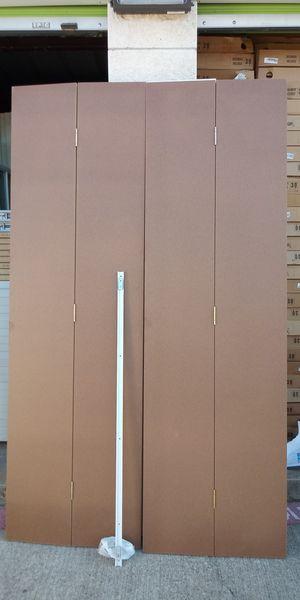 """Bifold doors 48x80 hardbord son lisas todas tengo 65 cajas cada caja trae una doble de 48"""" precio por caja $50 for Sale in Dallas, TX"""