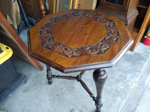Antique lamp table for Sale in Redondo Beach, CA