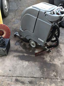 17 inch Automatic Walk Behind Floor Scrubber NOBLES 5100 for Sale in Manassas,  VA