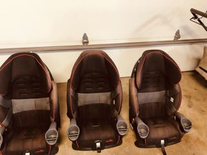 Used Car seat for Sale in Chicago, IL