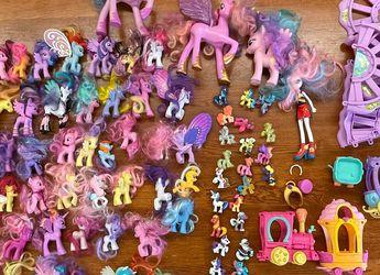 My Little PONY Lot 78 Ponies Plus Train Set for Sale in Everett,  WA