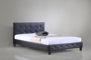 Cama queen... Queen Bed frame for Sale in Miami, FL