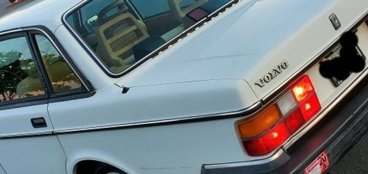 1992 Volvo 240 Series for Sale in Sacramento,  CA
