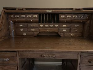 Full size roll top desk for Sale in HOFFMAN EST, IL