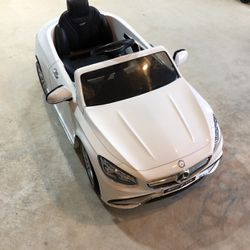 Mercedes-Benz S63 Ride on Car Kids RC Car Remote Control Electric Power Wheels W/ Radio & MP3 White for Sale in Washougal,  WA