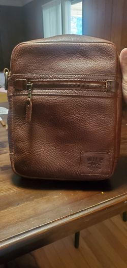 Will Leather Goods Crossbody bag for Sale in Austin,  TX