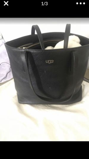 UGGs. Purse. Larges for Sale in Fremont, CA