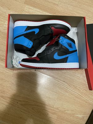 Jordan 1 unc to chicago DS size 8.5 mens from snkrs! for Sale in Chicago, IL