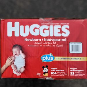 Huggies Little Snugglers Size Newborn And Size 1 for Sale in Lakewood, CA