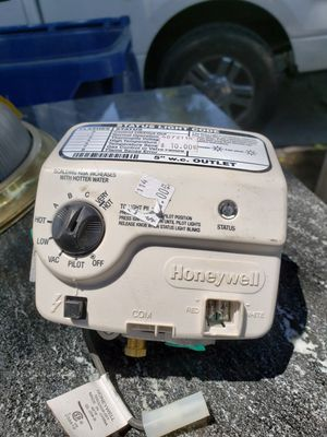 Water Heater Control Valve / Thermostat - Natural Gas for Sale in South Gate, CA