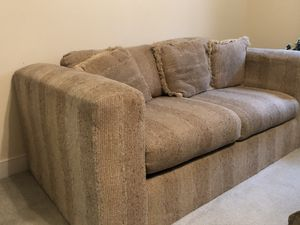 2pc Sofa, & love seat, cloth, worn but very comfortable for Sale in Chesterfield, VA
