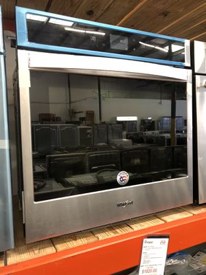 Whirlpool Stainless Steel 4.3 Cu. Ft. Smart Single Wall Oven with Touchscreen for Sale in Tampa, FL