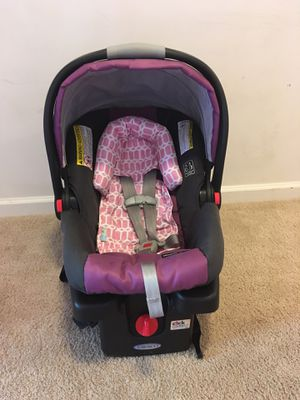 Baby girl infant Car seat for Sale in Lexington, NC