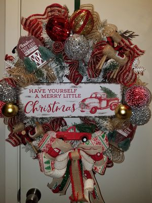 Red truck Christmas wreath for Sale in Houston, TX