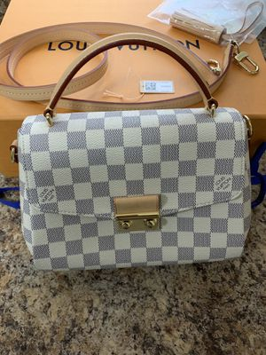 Louis Vuitton Handbag new $700 OBO for Sale in Hackensack, NJ