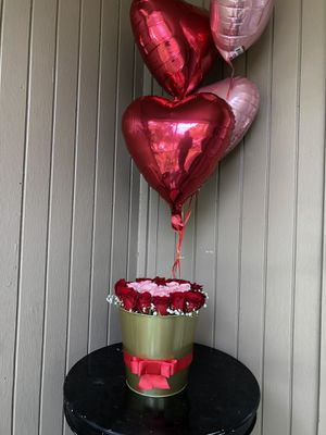 Flowers and balloons 🎈 for Sale in Houston, TX