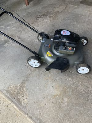 Craftsman Lawn Mower very good for Sale in Glendale Heights, IL