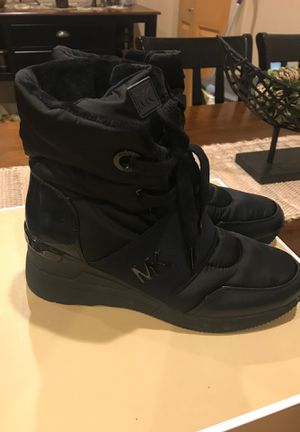 Brand New Michael Kors boots , Size 8. Never used for Sale in River Grove, IL