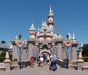 ISO 2 Disneyland tickets- READ DESCRIPTION for Sale in Fort McDowell, AZ