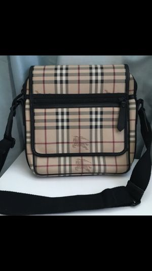 Burberry Messenger bag 100% Authentic for Sale in Gaithersburg, MD