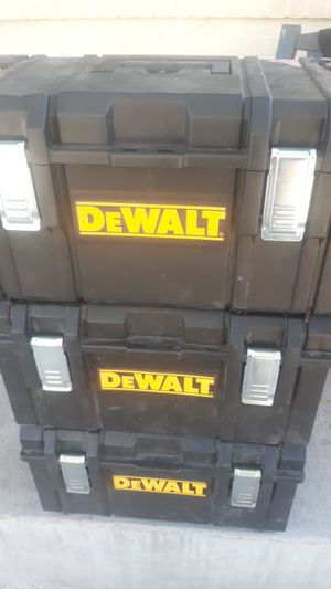"DELWALT DWST08203. ( 21 5/8""X 13 1/8"" X 12 1/8"" ) DS300. for Sale in Denver, CO"