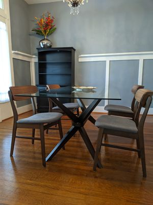 Dining room table for Sale in Columbia, TN