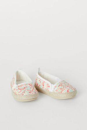 H&M toddler espadrilles size 6.5 for Sale in Los Angeles, CA
