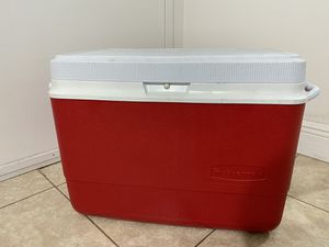Rubbermaid cooler 36Qt for Sale in Pembroke Pines, FL