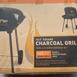 Small Charcoal Grill for Sale in Washington,  DC