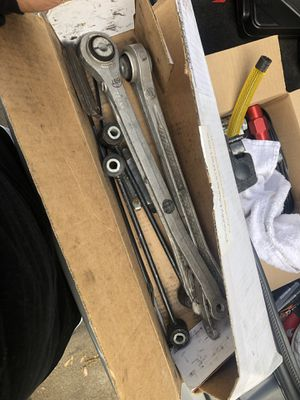 OE Dodge Challenger 5.7 Trailing Arms & Rear Sway Bar EndLinks for Sale in Los Angeles, CA