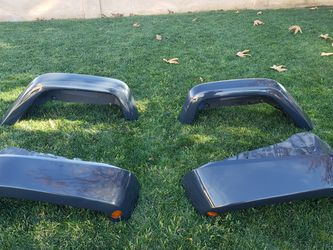 2007 To 2018 Jeep Wrangler JK Painted Fenders NICE for Sale in Chatsworth,  CA