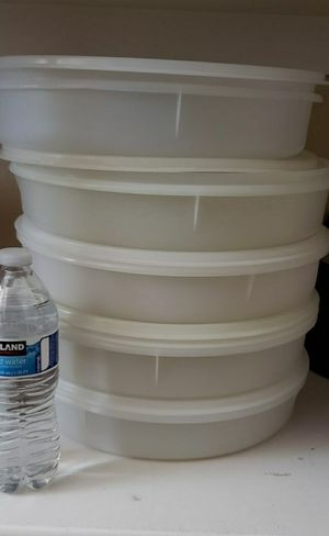 "Big round Tupperware 13"" X 3"" $14.00 EACH. for Sale in Menifee, CA"