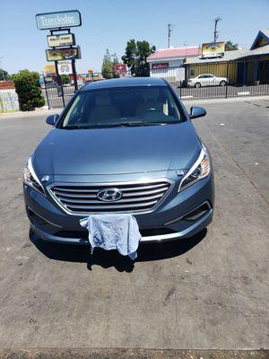 Hyundai sonata 2016 CLEAN TITLE for Sale in Fresno, CA