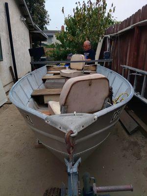 12 aluminum fishing boat for Sale in Colton, CA