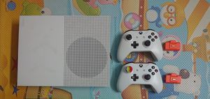 Xbox one s slim 500gb HD with 2 wireless controllers and 2 rechargeable battery packs for sale for Sale in Los Angeles, CA