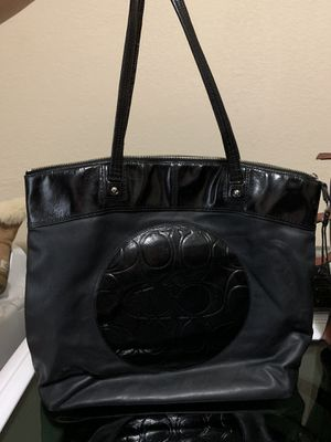 Large coach bag needs little cleaning inside $20 for Sale in Fort Worth, TX