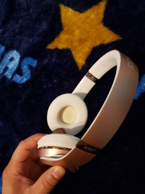 beats solo 3 wireless rose gold for Sale in Clifton, NJ