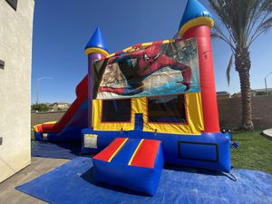 Combo jumper with dry slide character banner optional basketball hoop inside for Sale in Chino, CA