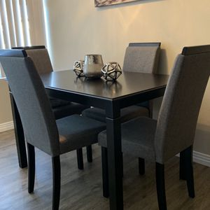Special Brand New Dining Set ( Table and 4 Chairs Wood ) ☀️😊⭐️ for Sale in Chula Vista, CA