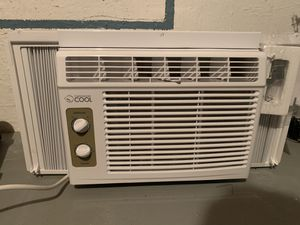 5000 btu ac unit like new for Sale in Lititz, PA