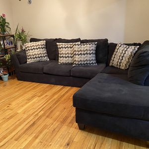 Sectional Sofa With Pull Out Bed for Sale in Freeport, NY
