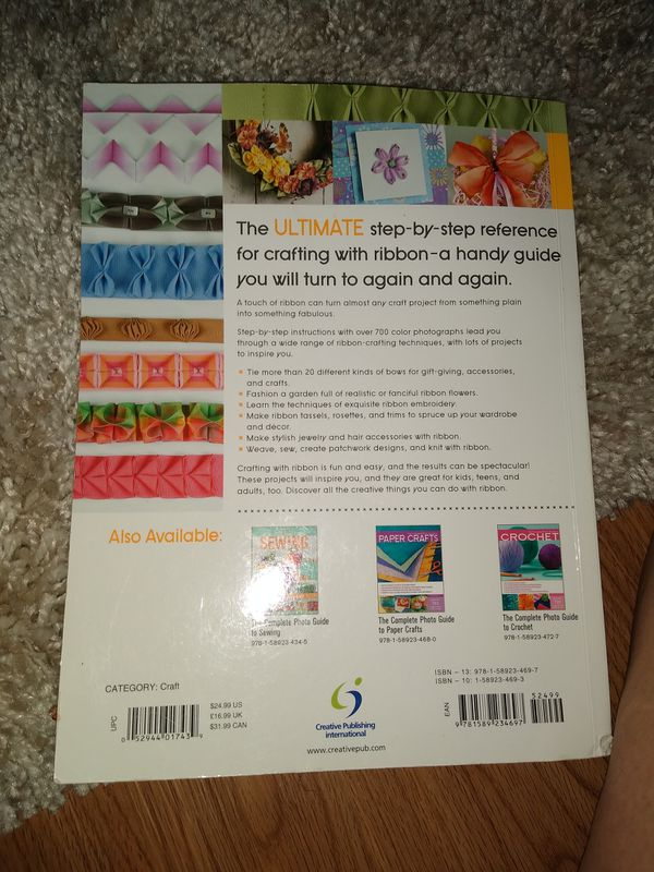Ribbon crafting instruction book