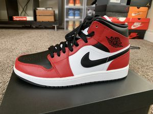 Jordan 1 Mid Chicago Black Toe/ Sz 9 and 9.5 / New!!! for Sale in Houston, TX